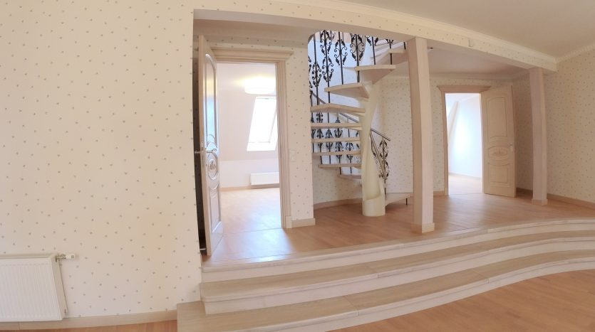 Renovated two-storey apartment for sale in Riga city center